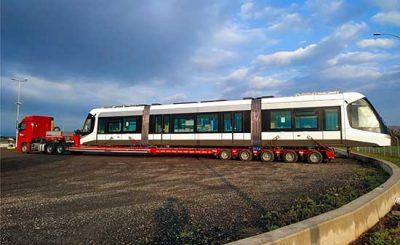 transporte de trenes, tranvías y vagones